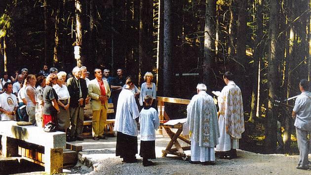 Po dvaceti letech se konala v sobotu 22. srpna plavecká poutní mše k poctě Panny Marie Královny. Přišli na ni opět věřící z Čech, Rakouska a z Německa.