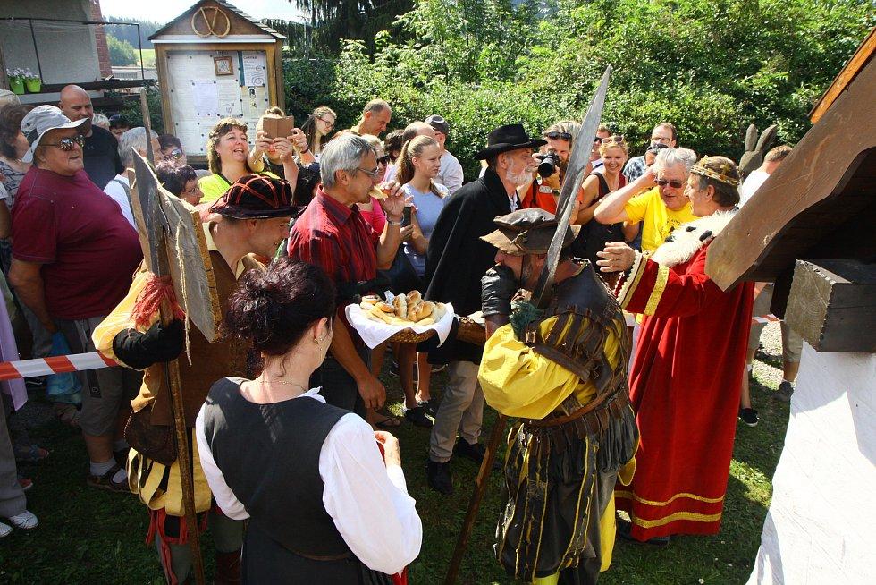 Na pečení do Lenory dorazil v minulosti i pohádkový král a herec Václav Vydra.