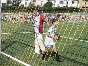 Po výkopu starosty Jana Bauera se na hřišti odehrál první fotbalový zápas chlapců z fotbalové třídy pod vedením trenéra Jaroslava Frnocha.