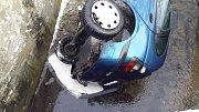Zásahy hasičů v úterý 16. ledna. Dopravní nehoda osobního vozidla u Chvalšin.