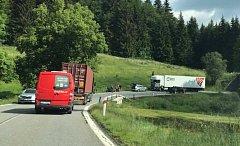 Srážka kamionu a motorky u Horní Vltavice.