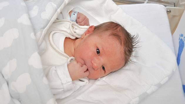 ŠIMON KLOUD, VIMPERK. Narodil se v úterý 31. prosince v 8 hodin a 17 minut ve strakonické porodnici. Vážil 3320 gramů. Má brášku Matěje (2 roky).  Rodiče: Jana a Tomáš.