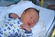 Hugo TEJML, Netolice.Narodil se 26. listopadu ve 14.30 hodin, vážil 3410 gramů. Rodiče: Soňa Bourová a Ladislav Tejml.