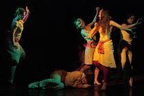 Dutam uzavřel Štít s autorským představením Dcery měděné ženy.