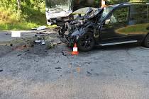 Srážka osobního auta a autobusu u Prachatice.