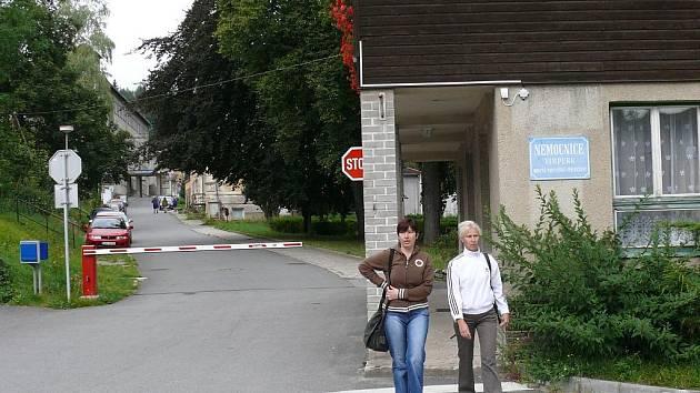 Nemocnici Vimperk o. p. s. pomohla z tíživé finanční situace čtyřmilionová půjčka západočeské obce Modrava.