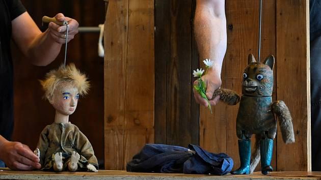 Divadlo Buchty a loutky zve na loutkovou pohádku Kocour v botách.
