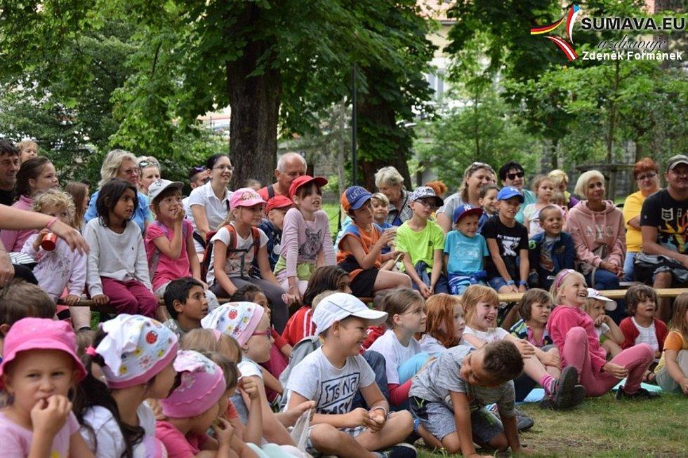 Pohádkové odpoledne s Vimperským kašpárkem u Volyňky.