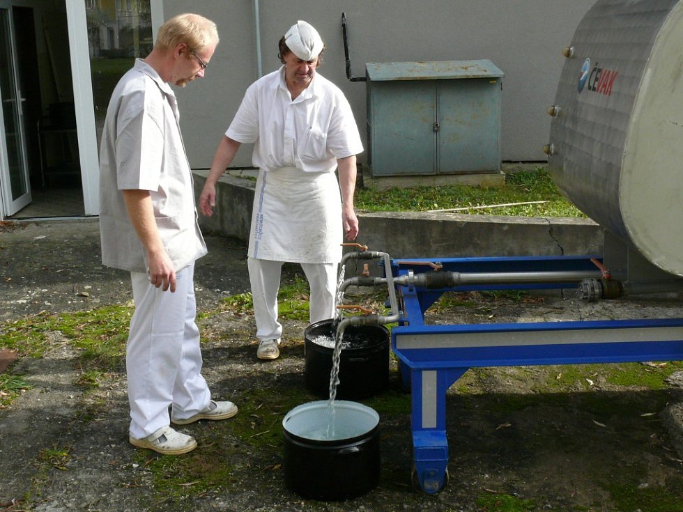 V nemocnici stále využívají náhradní zdroje vody.
