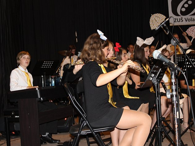 Mladí muzikanti z Volar pobavili rodiče a kamarády při koncertu.
