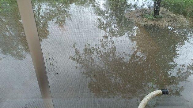 Hasiči mají kvůli prudkému dešti napilno