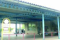 INVESTICE. Budovu autobusového nádraží ve Čkyni přestaví obec na zdravotní středisko.