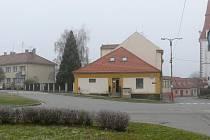 Netolická radnice chce řešit problémy v dopravě hned na dvou místech. jedním z nich je křižovatka u kostela svatého Václava.