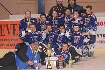 Se stříbrnými medailemi odjížděli hráči HC Vimperk ročník 2004 ze Sedlčan.
