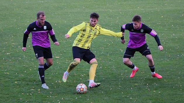Fotbalový KP: Tatran Prachatice - Jankov 7:2 (6:1).
