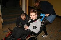 Maruška Bártová dostala schodolez, může se tak pohybovat po chodech i s vozíčkem.