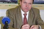 Bývalý ministr životního prostředí Martin Bursík je spojován s rozmachem krovcové kalamity na Šumavě po roku 2007 tím, že obešel platnou zonaci a pozměnil management některých druhých zón. Zejména lesníci mu to do dnešního dne nezapomněli.