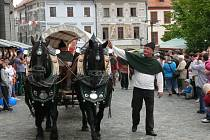 V sobotním průvodu se představila i partnerská města a host letošních slavností zpěvačka Dasha.