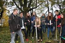 Slavnostní přijetí osmnáctiletých občanů starostou Vlachova Březí.