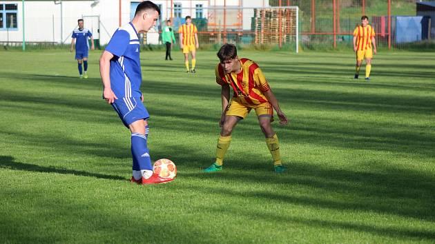Čkyňští fotbalisté se po dlouhé pauze vrátili na zelený pažit.