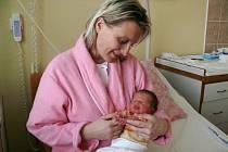 Emma Straková se v prachatické porodnici narodila v úterý 16. února ve 14.57 hodin. Vážila 2,63 kilogramu. Rodiče Lenka Mottlová a Otto Straka si dceru odvezou  domů, do Strunkovic nad Blanicí, kde už čeká sestřička Kateřina.