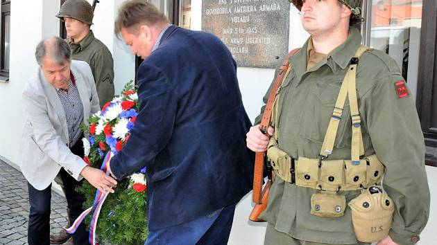 Výročí osvobození Československa ve Volarech.