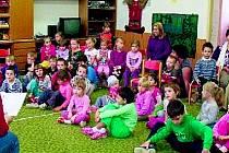 knihovně se pravidelně pořádají akce pro dospělé, ale i malé čtenáře. Několik z nich si například mohli užít při Týdnu knihoven.