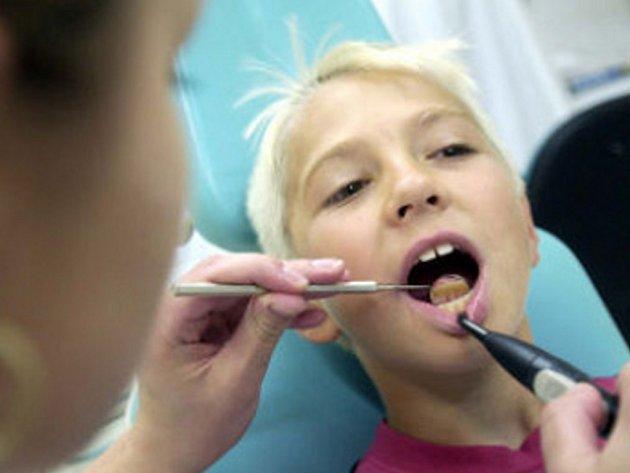 Zubařů v jižných Čechách stále ubývá.
