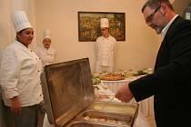 Slavnostní otevření školní restaurace Sv. Rafael ve Vimperku.