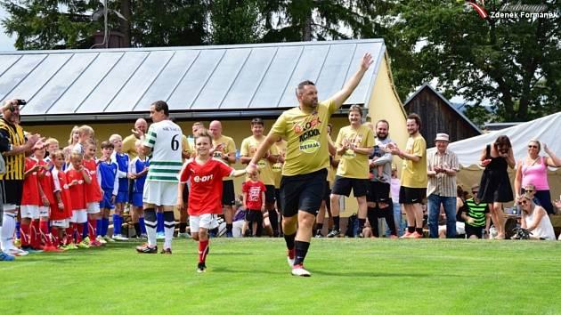 Hvězdy rozdávaly ve Vacově fotbalovou radost.