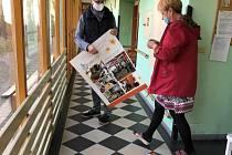 Výstava dokumentů a fotografií Pět let SeniorPointu Prachatice putuje i v nouzovém stavu po spřátelených místech.