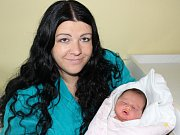 Z prvorozené dcery mají velkou radost Jaroslava a Jaroslav z Chvalovic. Holčička Nela Franzová se jim narodila v prachatické porodnici ve čtvrtek 2. listopadu v 13:45 hodin. Sestřičky v porodnici jí navážily 3630 gramů.