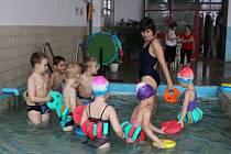 O volarský plavecký bazén je zájem.