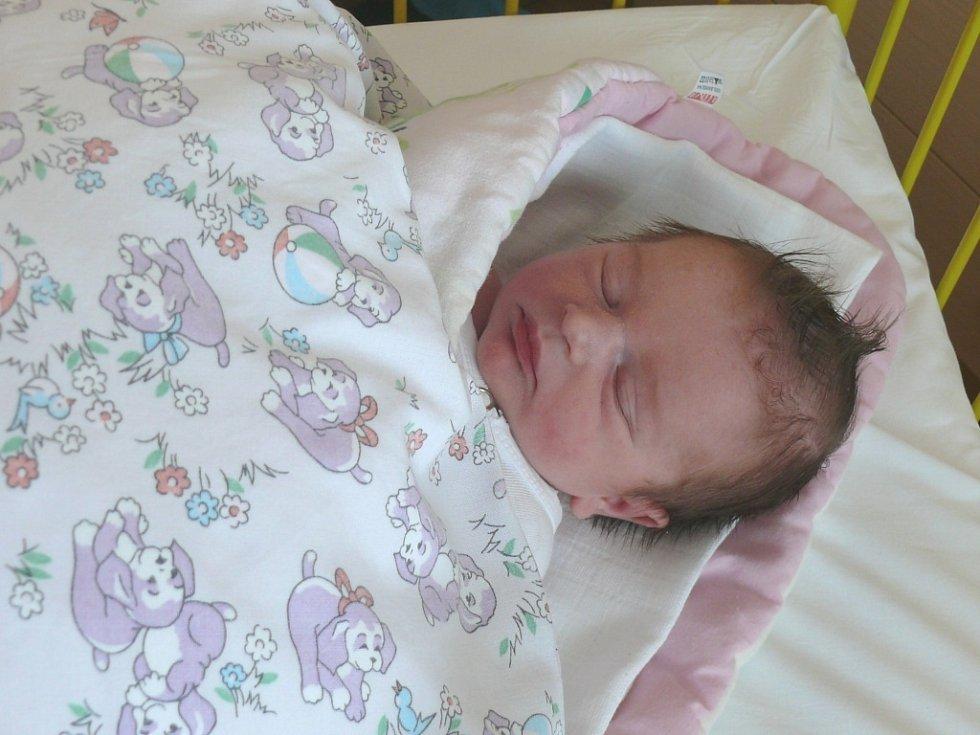 Kateřina Fialová se narodila v prachatické porodnici ve čtvrtek 2. května v 07.50 hodin. Vážila 3,30 kilogramu. Doma v Babicích na malou Kateřinu a maminku Žanetu čekal tatínek Martin a bráška Michal (3 roky).