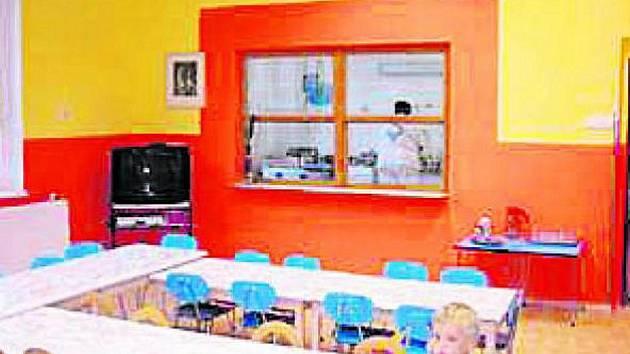 NOVÉ PROSTORY. Opravené místnosti mateřinky si děti užívají.