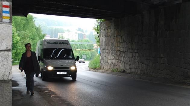 Podjezd pod vimperským viaduktem
