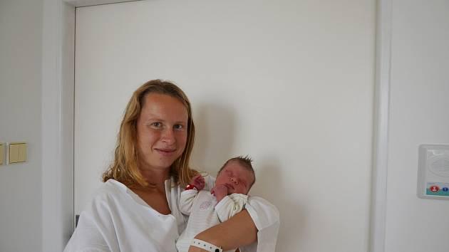 ŽOFIE KASALOVÁ, VIMPERK.Narodila se v sobotu 9. listopadu v 16 hodin 33 minut v písecké porodnici. Vážila 2800 gramů a měřila 49 centimetrů. Má sestřičku Rozálii (3 roky). Rodiče: Lucie a Jakub Kasalovi.