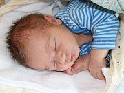 V prachatické porodnici se v pátek 20. října v 9 hodin a 25 minut narodil Mikuláš Sebera. Maminka upřesnila, že jejich prvorozený syn vážil 3260 gramů. Manželé Veronika a Martin Seberovi žijí v Prachaticích.