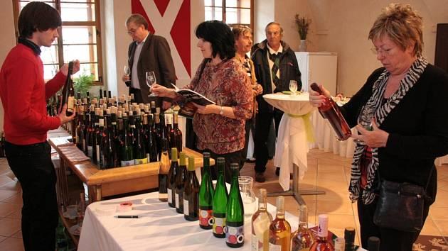 Eno-gastronomická přehlídka Sýry a víno. Ilustrační foto