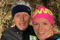 Miloš Beneš a Magda Juříková běhají pravidelně a zapojili se i do běhu pro zdravotníky. Z náhodného setkání poslali fotku.