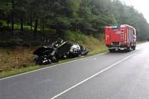 Pět zraněných osob si vyžádala dnes odpoledne nehoda mezi Prachaticemi a Vitějovicemi. Silnice byla na několik hodin uzavřena vzhledem k práci záchranářů, policejnímu šetření a odstraňování následků nehody.
