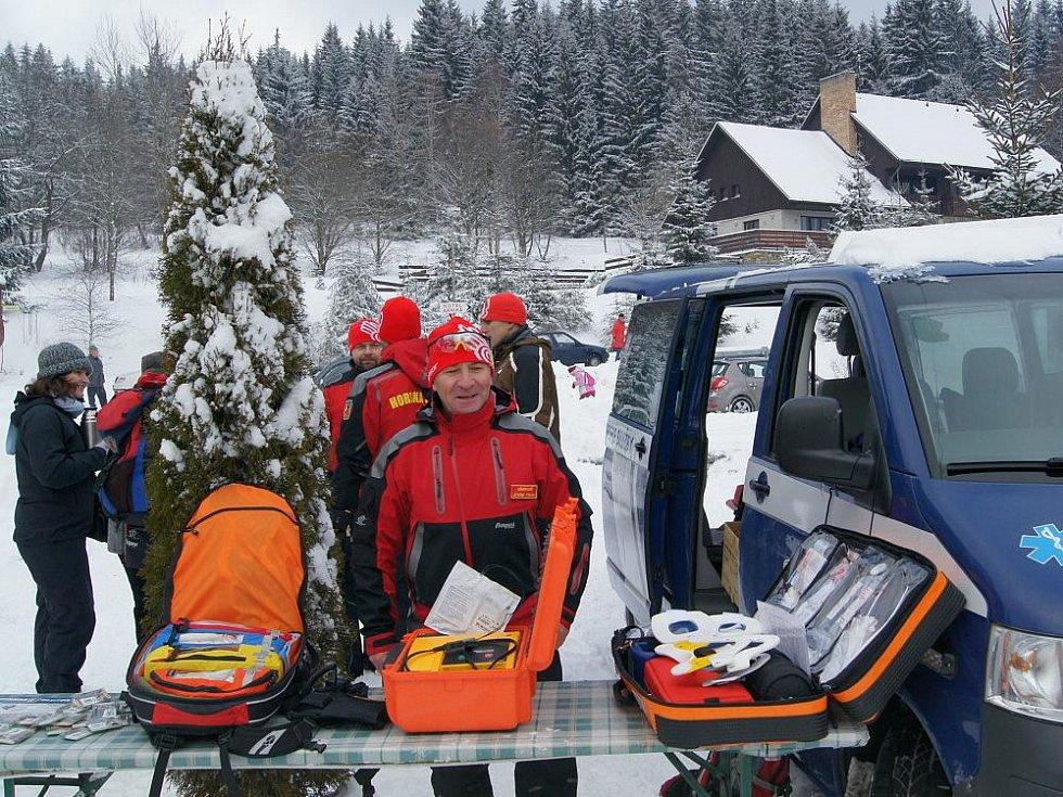 Záchranáři předvedli techniku a připomněli, že ohleduplnost je důležitá.