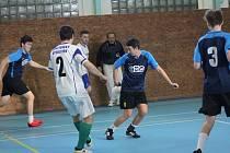 Vyřazovacími boji skončila Prachatická liga sálového fotbalu.