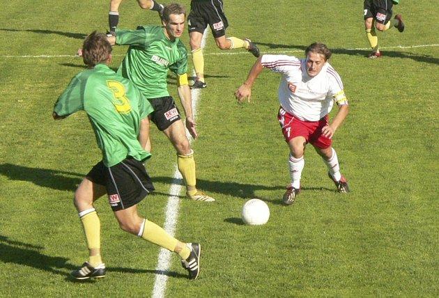 Na podzim Tatran (zelené dresy) vyhrál 2:1.