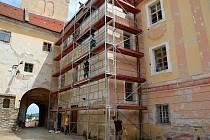 Rekonstrukce na zámku ve Vimperku pokračují.