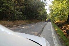 Po vyfrézované silnici lze pomalu a opatrně dojet až do Leptače.