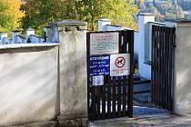 Vstupní brána do hřbitova v Prachaticích dostane do Dušiček znovu původní vrata, ale ta budou jako nová.