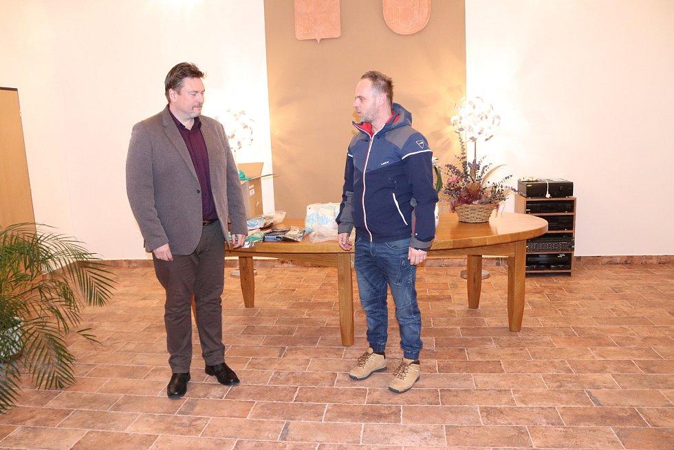 Mladé volarské fotbalisty přijal starosta města Vít Pavlík.