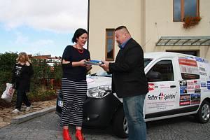 Hospic sv. Jana N. Neumanna a Domov matky Vojtěchy mají nové auto pro domácí péči.
