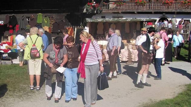 Čtenáři Deníku na návštěvě slavností v Tittlingu.